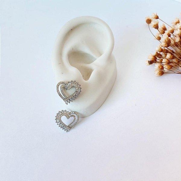 Brinco coração zirconias navete cristal prata
