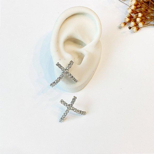 Brinco Ear Hook X cravejado prata