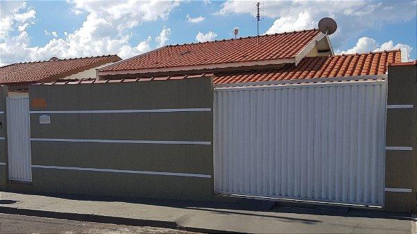 Casa no Bairro Vila Nova em São Pedro    R$ 550.000,00