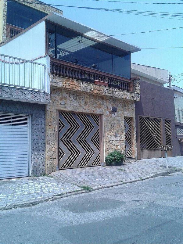 Lindo Sobrado em Santo André, SP - 03 Quartos (1 suíte). 02 Vagas de Garagem. | R$ 550.000,00
