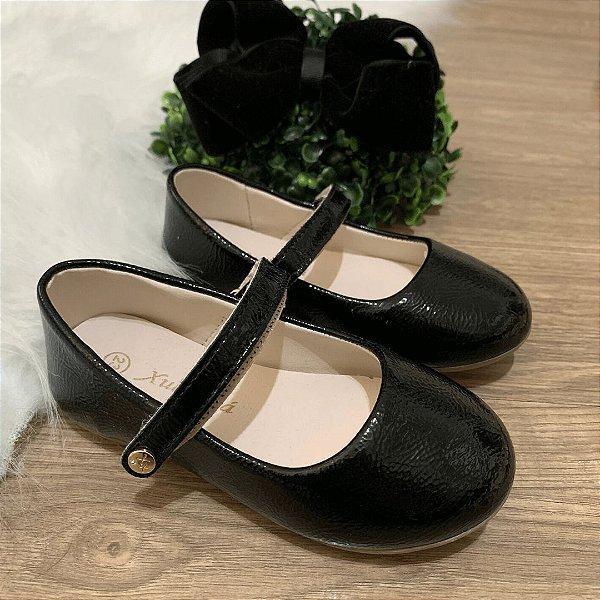 Sapato infantil boneca verniz preto Xuá Xuá tamanho 22