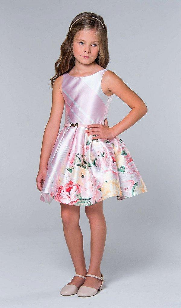 80b4b09b64 Vestido de festa infantil Petit Cherie com litras diagonal detalhe floral  rosa claro