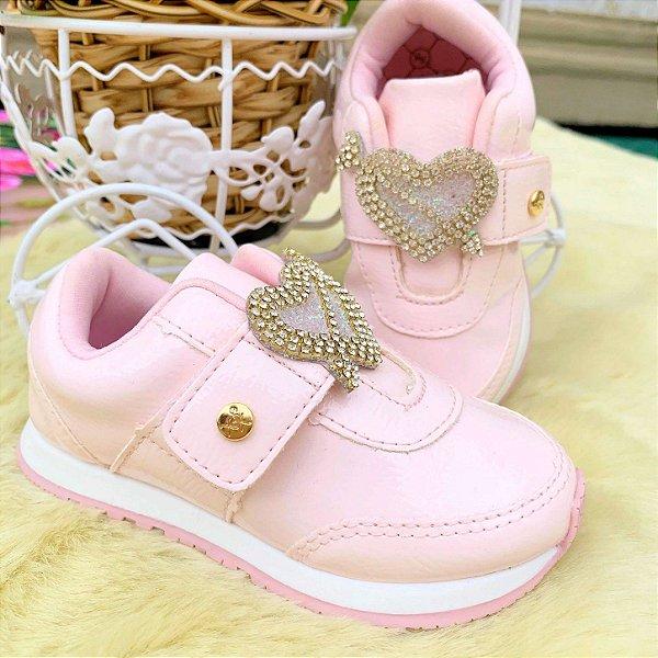 Tênis infantil Xuá Xuá verniz rosa claro casual com coração com strass