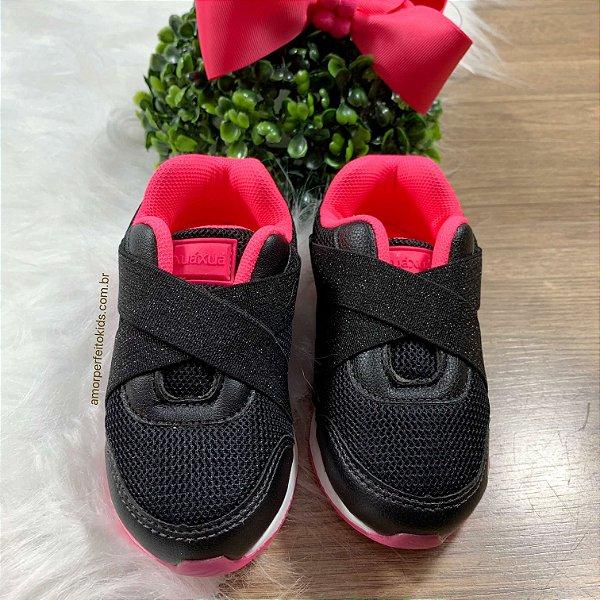 Tênis infantil feminino jogging preto e rosa neon