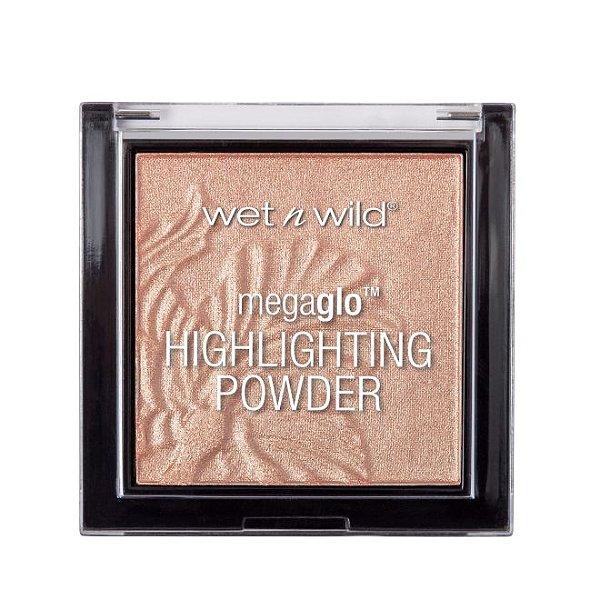 Wet N Wild - Megaglo Highlighting Powder - 321B - Precious Petals