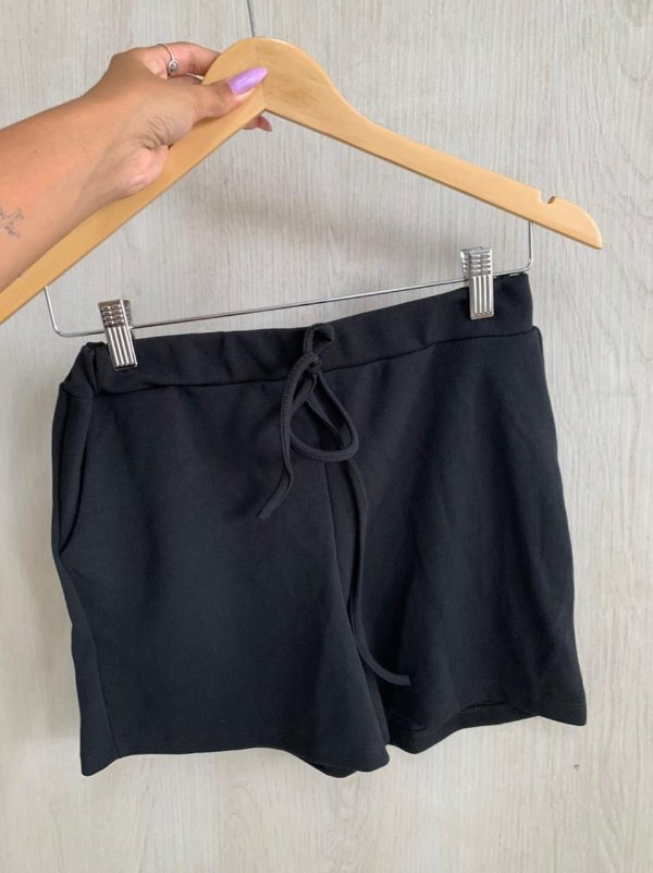 Short Laís