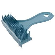 Escova Rasqueadeira em Plástico