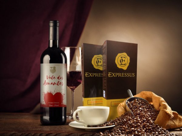 Kit 20 Cápsulas de Café Expressus - Blend Cítrico + 1 Vinho Vale dos Amantes 2018