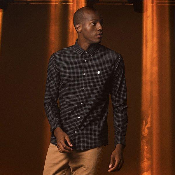 Camisa Masculina Manga Longa com Estampa Quadriculado Pequeno Drew - Preto