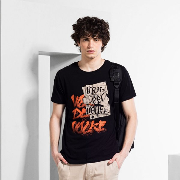 Camiseta Masculina com Estampa Manual GRAFFITI - PRETO