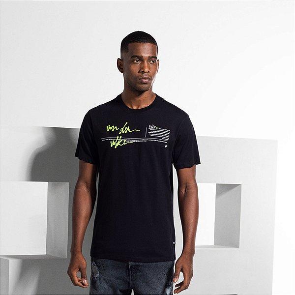 Camiseta Masculina com Estampa em Cera VDV WAY - PRETO