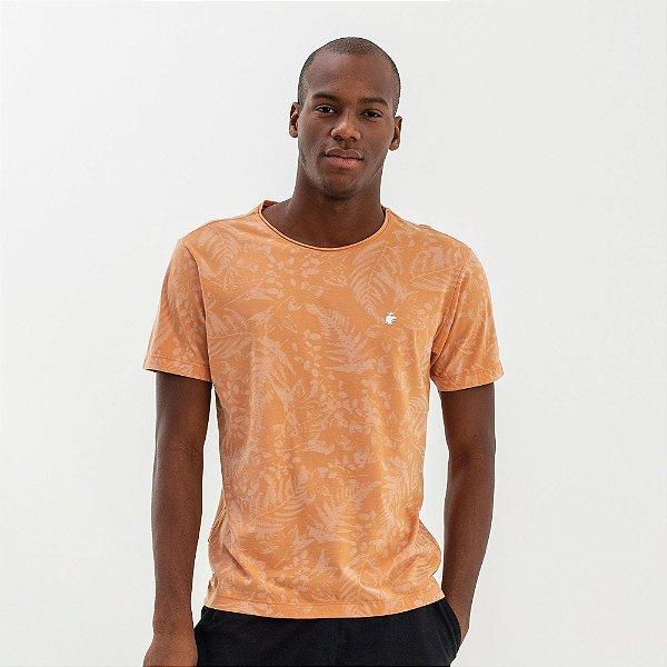 Camiseta masculina modelagem tradicional estampa folhagens - Rosa
