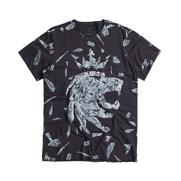 Camiseta masculina estampa leão full frontal modelagem padrão - Preto