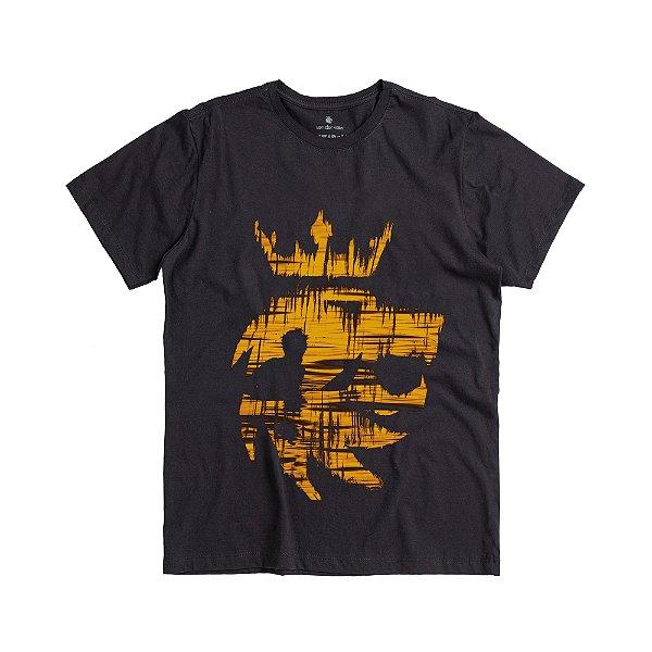 Camiseta masculina de manda curta estampa leão com surfista - Preto