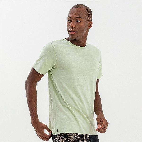 Camiseta básica masculina estonada acabamento diferenciado - Verde