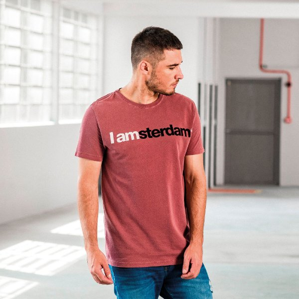 Camiseta masculina de manga curta e gola redonda estampa IAmsterdam - Roxo