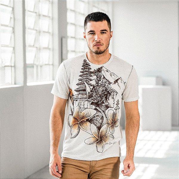 Camiseta masculina com estampa dos costumes indonésios - Bege