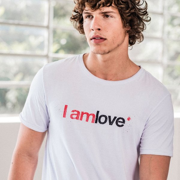 Camiseta unissex estampa lettering I Am Love - Branco