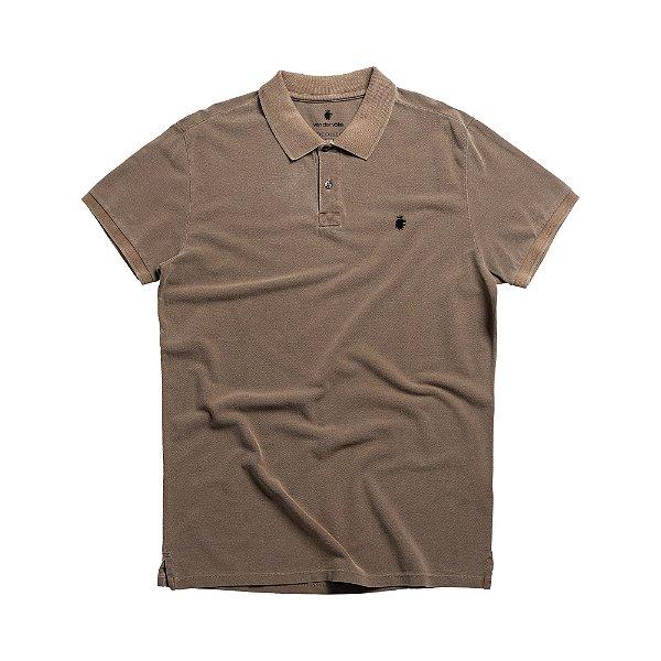 Camisa polo masculina básica estonada em piquet - Marrom