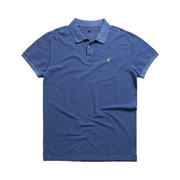 Camisa polo masculina básica estonada confeccionada em malhão - Azul