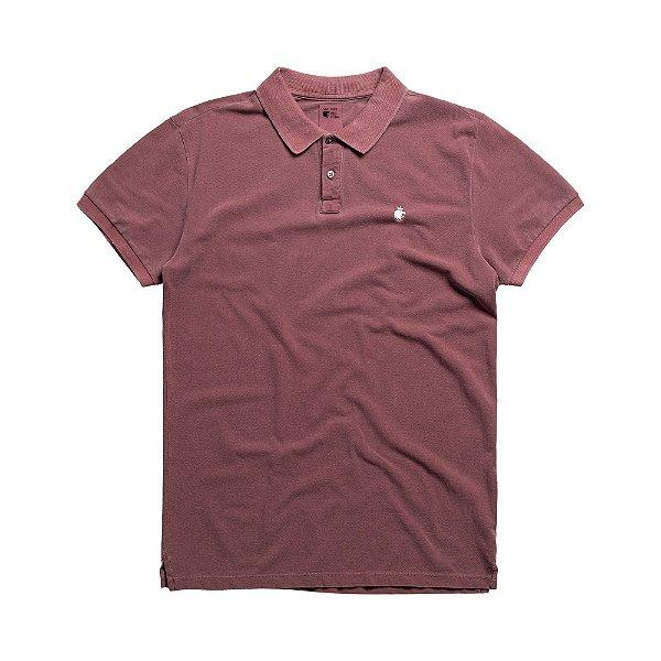 Camisa polo masculina básica estonada confeccionada em malhão - Roxo