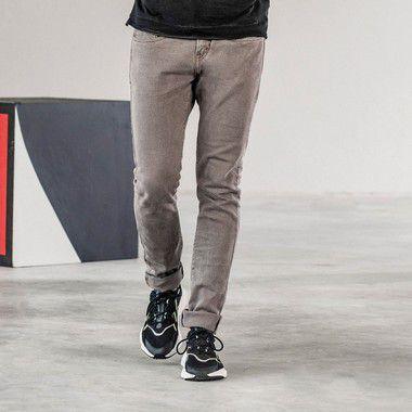 Calça masculina de sarja estonada modelagem slim - Bege