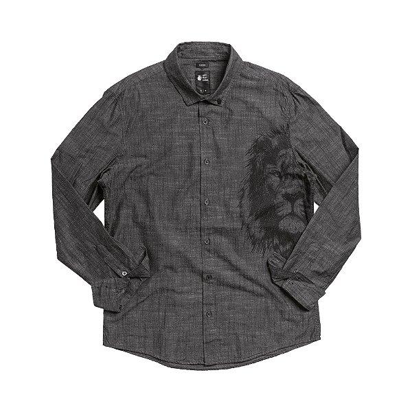 Camisa masculina manga longa estampa lateral de leão - Preto
