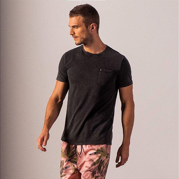 Camiseta malha ecológica efeito marmorizado acabamento com puídos - Preto