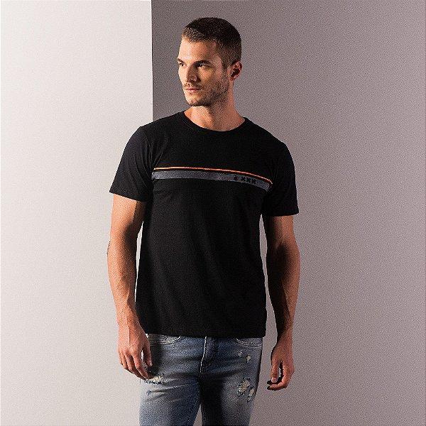 Camiseta masculina estampa listra XXX de Amsterdam e leão Vøn der Völke - Preto