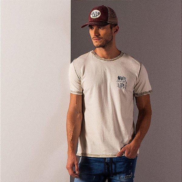 Camiseta masculina estampa lettering no peito - Bege