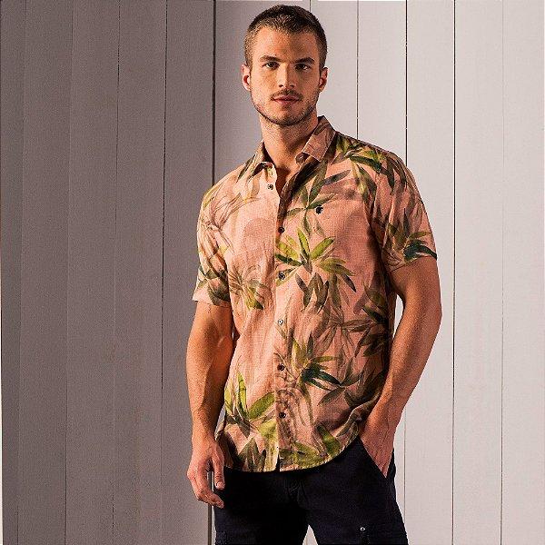 Camisa masculina manga curta tecido flamê e estampa de folhagens - Rosa