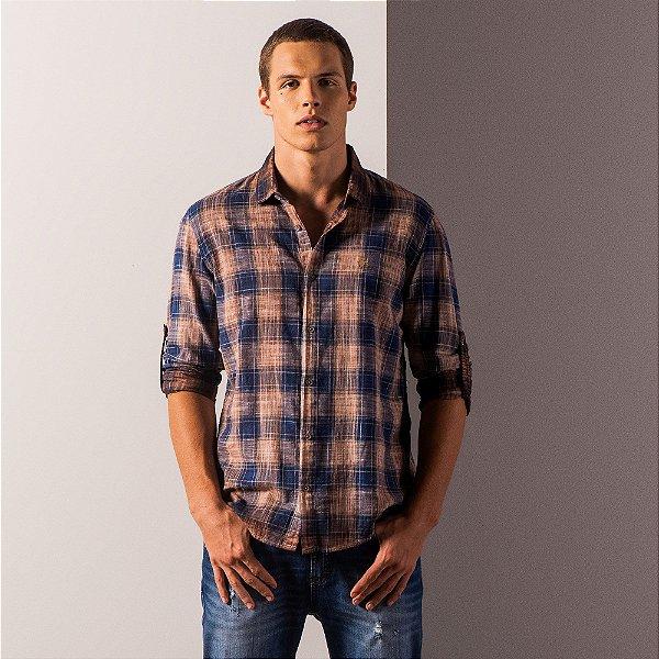 Camisa xadrez masculina de manga longa detalhe martingale - Marrom