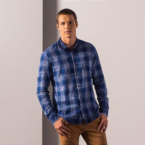 Camisa xadrez masculina de manga longa detalhe martingale - Azul