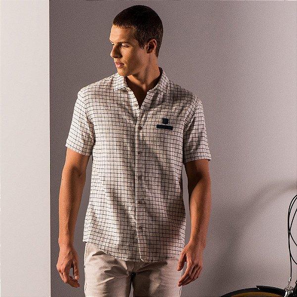 Camisa masculina de manga longa em fio tinto com etiqueta emborrachada - Bege