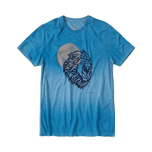 Camiseta masculina estampa de leão e efeito devorê - Azul