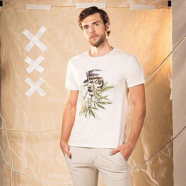 Camiseta masculina em malha cânhamo estampa Mr. Volke e folhas de cannabis - Bege