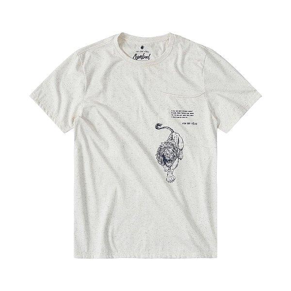 Camiseta masculina com bolso estampa de leão e acabamento diferenciado - Bege