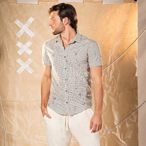 Camisa xadrez masculina manga curta com efeito de respingos de tinta - Bege