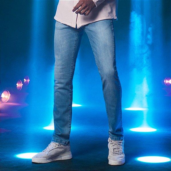 Calça Jeans Azul Skinny com Puídos Masculina Wayne - Light Denim