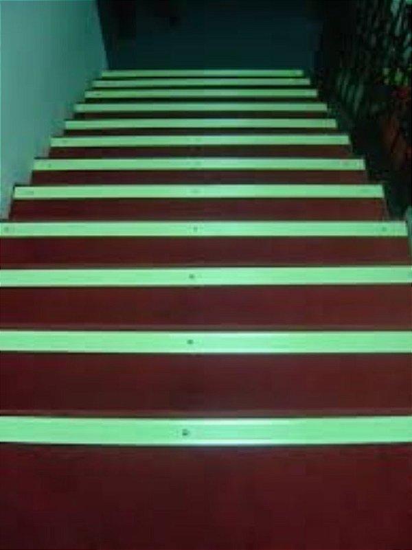 Tinta Glow Corion Fotoluminescente 225ml para Saida Emergencia, Escada, Sinaizacao. Brilha No Escuro Sem Luz Negra Divs Cores