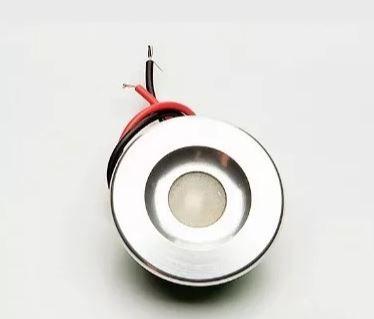 Peças e acessórios Lancha Focker - Luz de cortesia multicolor. Corpo prata ou dourado, alterna entre 04 cores (Branco, azul, vermelho e roxo) 1 un.