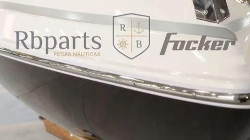 Peças e acessórios Lanchas Focker - Perfil Verdugo de PVC com Inox (6 metros)