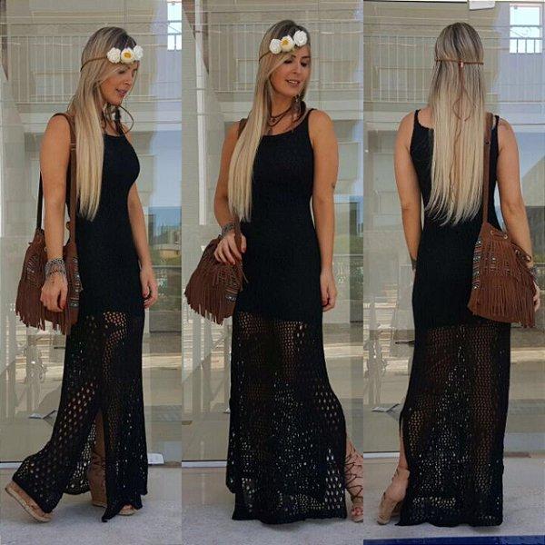 Vestido longo total black em tricot . Deslumbrante