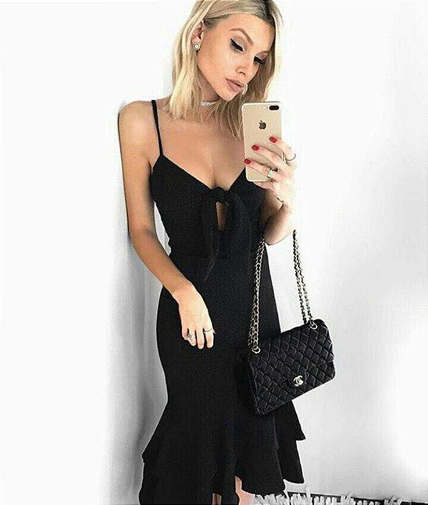 Vestido longo em crepe na cor preto com bojo