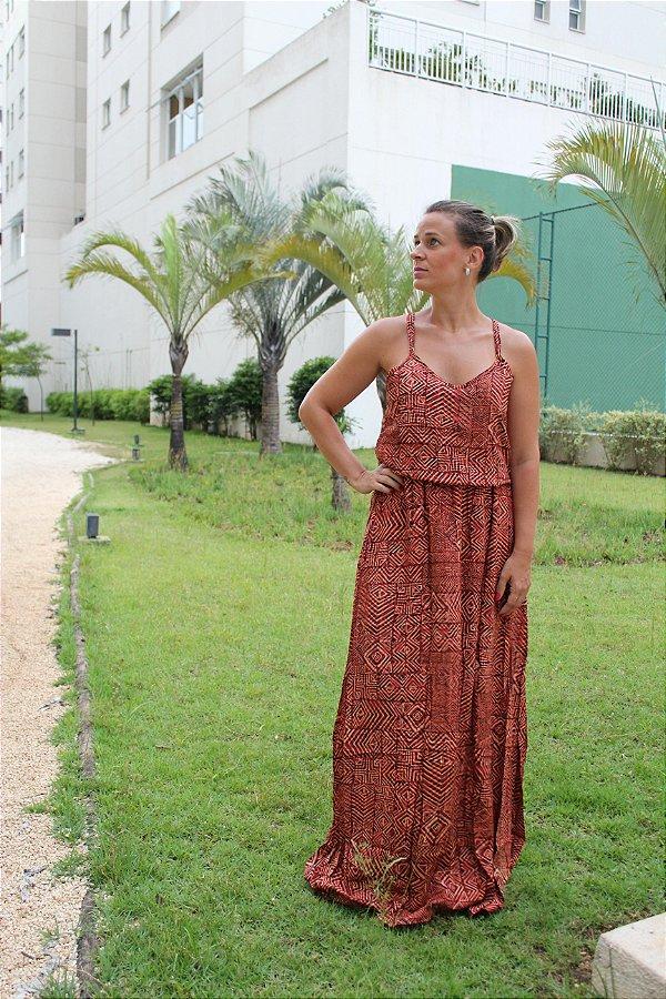 Vestido longo estampa em tonalidades marrons . Um arraso