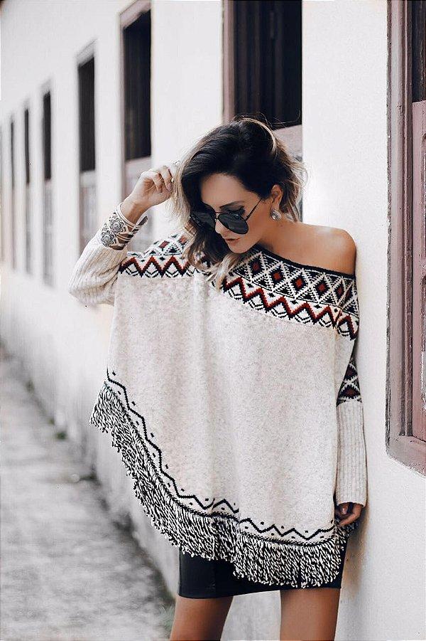 Poncho em tricot imperdível