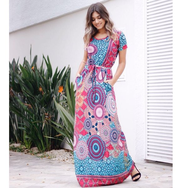 Vestido longo com estampa mandala maravilhoso