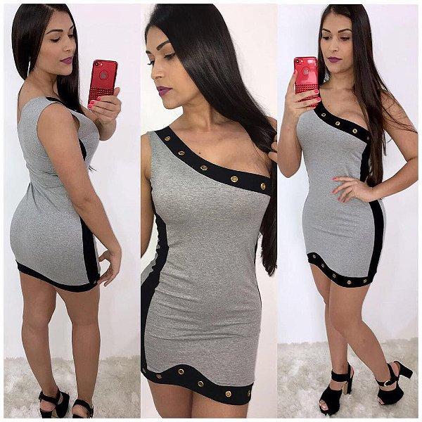 Vestido curto grey com detalhes em ilhós