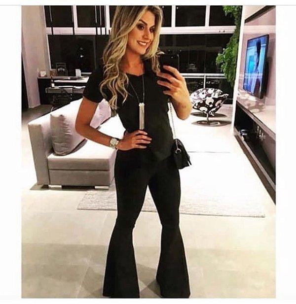Conjunto em suede blusa e calça flare black