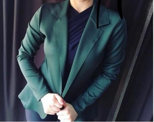 Blazer maravilhoso em neoprene na cor verde escuro